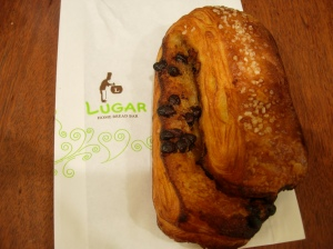 Chocolate croissant: Delicious snack at Taipei 101